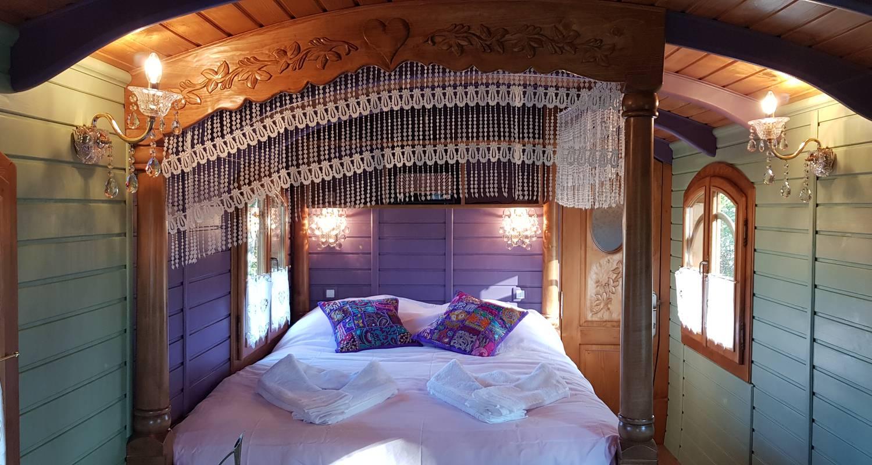 Other kind of rental accommodation: garcie isabelle in bussac-forêt (131941)