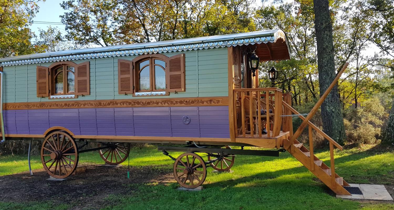 Other kind of rental accommodation: garcie isabelle in bussac-forêt (131940)