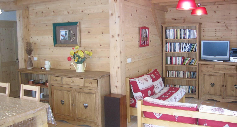 Gîte: 2 chalets de grand confort jusqu'à 16 personnes à montagnole (132053)