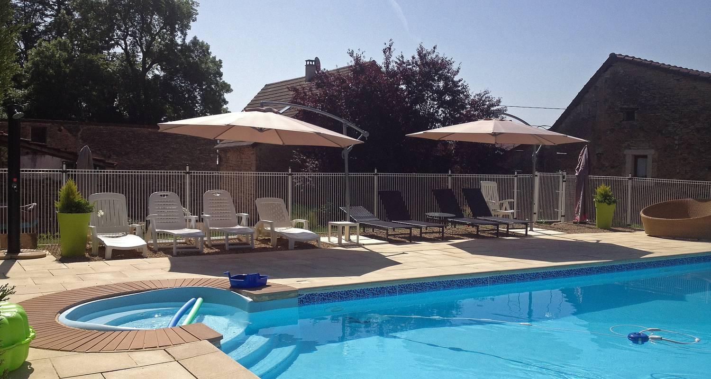 """Gîte: l'art d'une pause, gîte """"saveur anisée"""", piscine, une chambre, 4 personnes, tout confort au calme à la campagne in champagny-sous-uxelles (132241)"""
