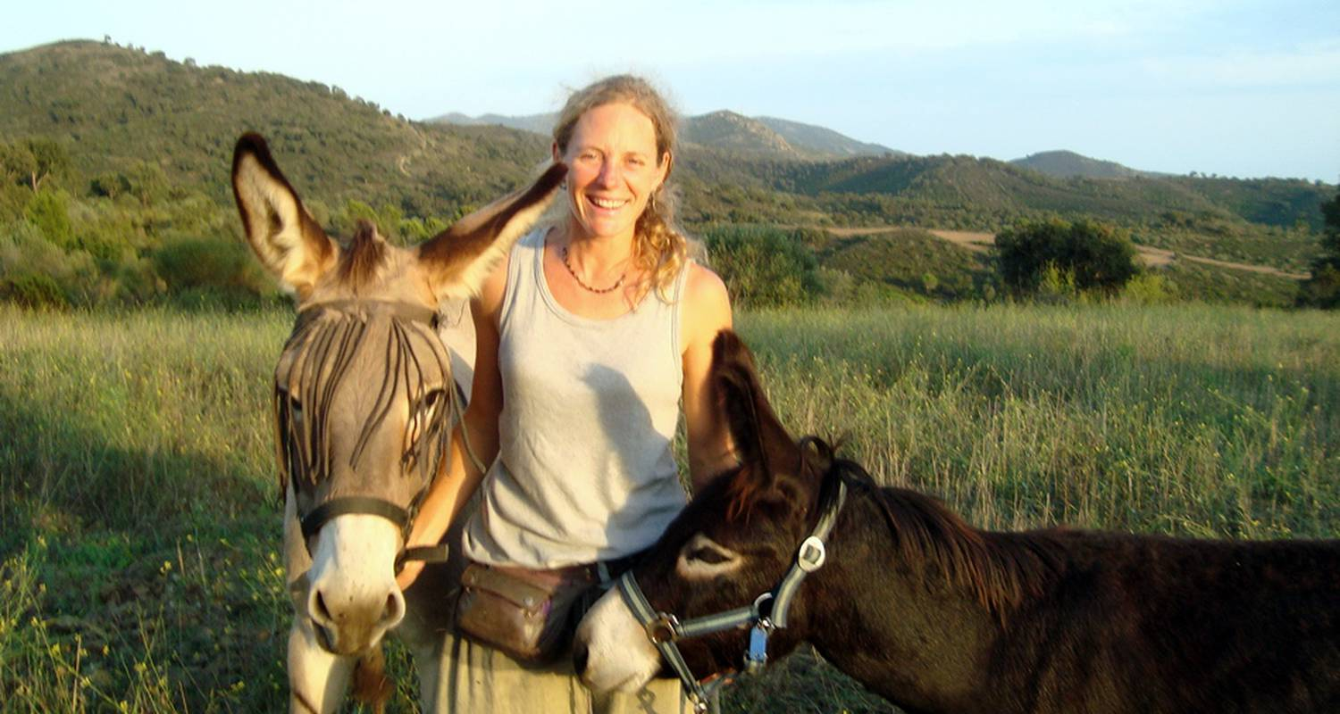 Activity: donkey riding and trekking in garriguella (132485)