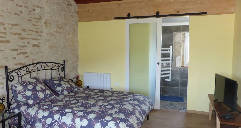 Bed & breakfast: chambres d'hôtes au clair de loup in saint-loup (132615)