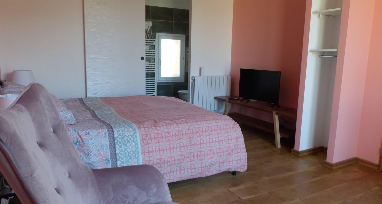 Bed & breakfast: chambres d'hôtes au clair de loup in saint-loup (132622)