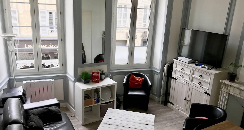 Logement meublé: appartement lumineux avec vue sur la tour de la lanterne à la rochelle (132685)