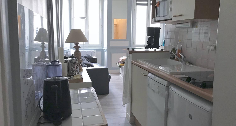 Logement meublé: appartement lumineux avec vue sur la tour de la lanterne à la rochelle (132700)