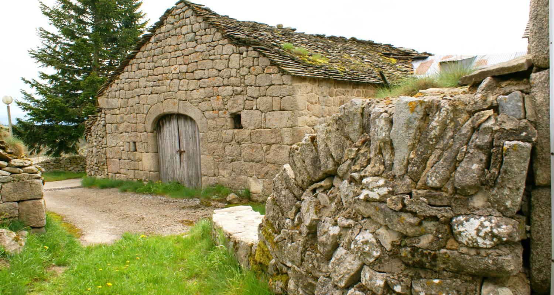 Logement meublé: gîte granrue à saint-étienne-du-valdonnez (132891)