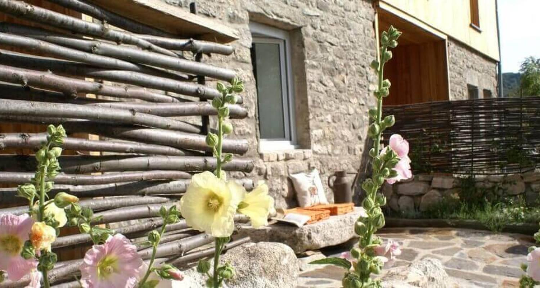 Logement meublé: gîte granrue à saint-étienne-du-valdonnez (132687)
