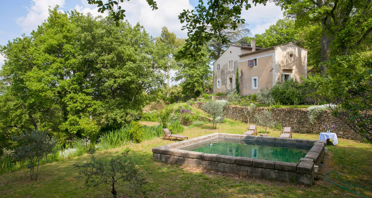 Furnished accommodation: l'atypique in oppède (132928)